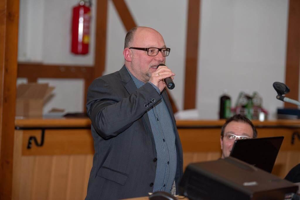 Jugendleiter Carsten Janz stellt die Jugendarbeit und sich selbst vor.