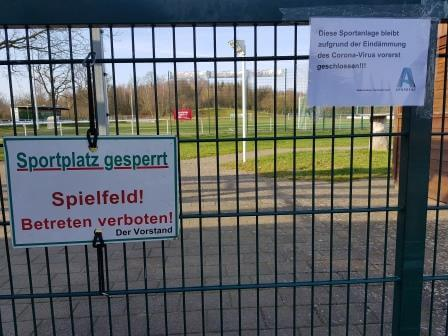 sportplatz-gesperrt